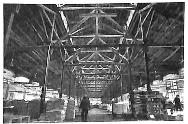 图1.43砖木结构厂房