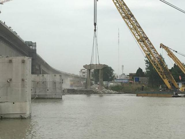 桥梁结构保护性拆除